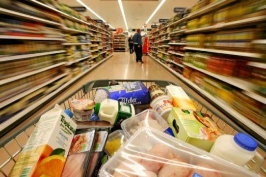 Alimentele se scumpesc din nou! Producătorii îl contrazic pe ministrul Agriculturii