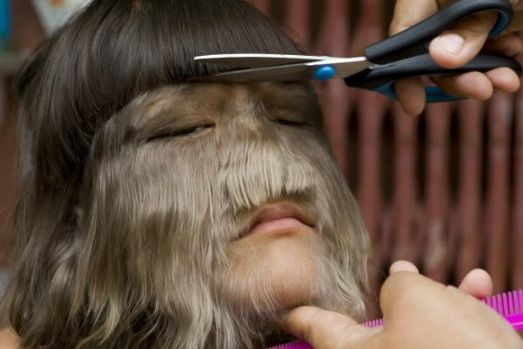 Cea mai păroasă femeie din lume s-a îndrăgostit! Cum arată fata după ce s-a ras pe față
