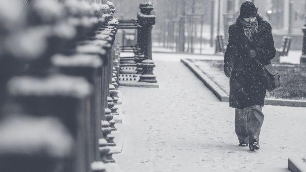 Iarna își intră în mână! Cod galben de ninsori și viscol valabil de duminică seară