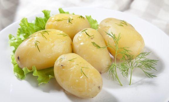Cum să slăbești fără efort cu ajutorul dietei cu cartofi fierți sau copți
