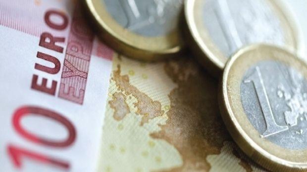 Curs valutar: Leul nu poate face față unei monede euro de neoprit