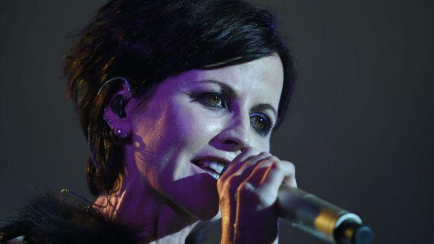Solista trupei The Cranberries, Dolores O'Riordan, a murit subit! Video