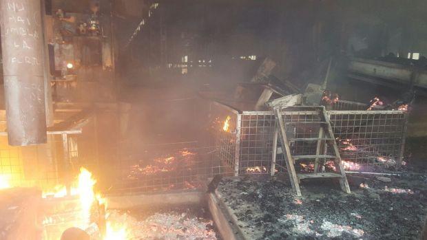 Topoloveni: Incendiu masiv la o fabrică de alimente! Video