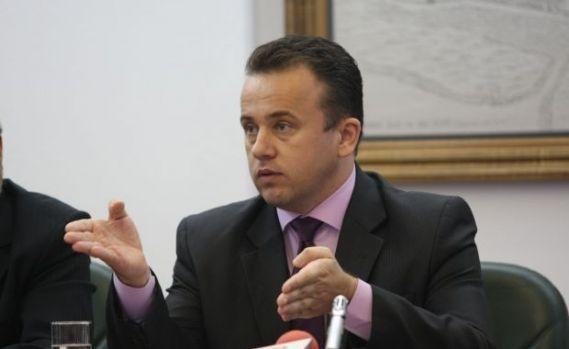 Ministrul Educației vrea să scadă cheltuielile din învățământ! Soluția lui Pop care va lăsa oamenii pe drumuri
