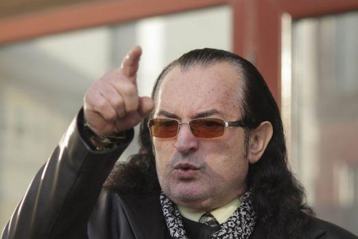 Miron Cozma îl avertizează pe polițistul pedofil: În pușcărie va fi violat cu coada de mătură