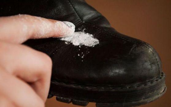 Cum să cureți petele de sare de pe încăltămintea de iarnă! Video