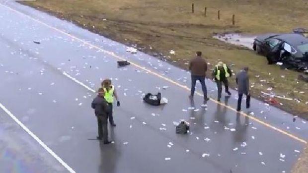SUA: Pe o autostradă a plouat, la propriu, cu bani! Video
