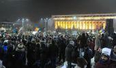 Proteste de amploare în București: Manifestanți din toată țara iau cu asalt…