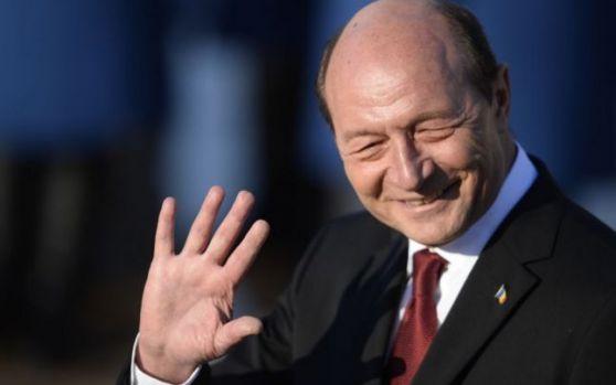 Băsescu i-a transmis un avertisment tranșant lui Iohannis: Va fi prea târziu! L-au păcălit