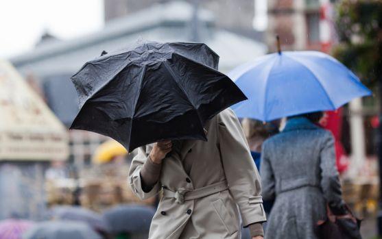 Se strică vremea: ANM a anunțat ploi, ninsori, vânt și frig