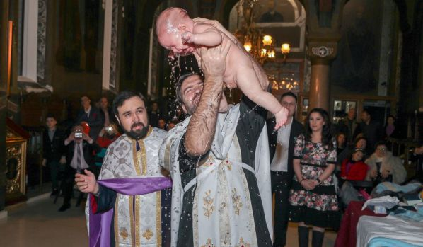 Vești proaste de la BOR! Biserica interzice filmarea nunților și a botezurilor
