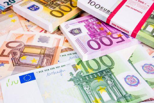 Curs valutar: Leul se bate cu principalele valute