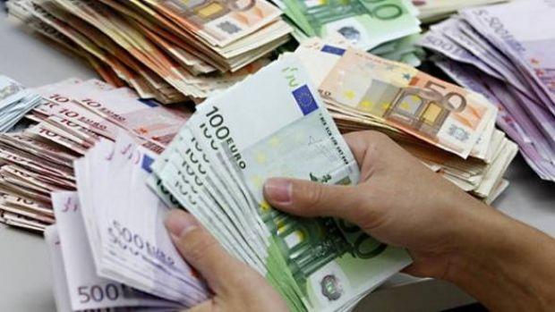 Curs valutar: Leul nu poate ține pasul cu moneda euro
