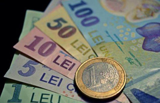 Curs valutar: Leul se bate cu euro dar nu-i face față dolarului