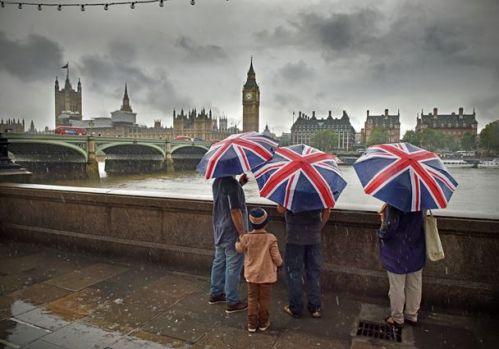 Financial Times dezvăluie planul UE de a obliga Marea Britanie să respecte condițiile post-Brexit