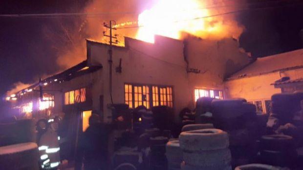 Medgidia: Un incendiu devastator a distrus zece locuințe! 18 familii au rămas pe stradă