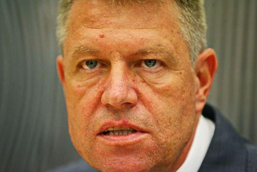 Klaus Iohannis, ținta unui atac violent: Omul ăsta nu-i făcut să lupte pentru nimic!