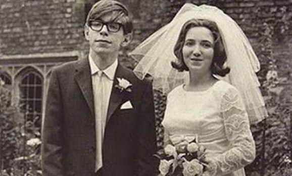 Stephen Hawking a fost un învingător! Cum a fost capabil să supravieţuiască 55 de ani cu scleroză amiotrofică laterală