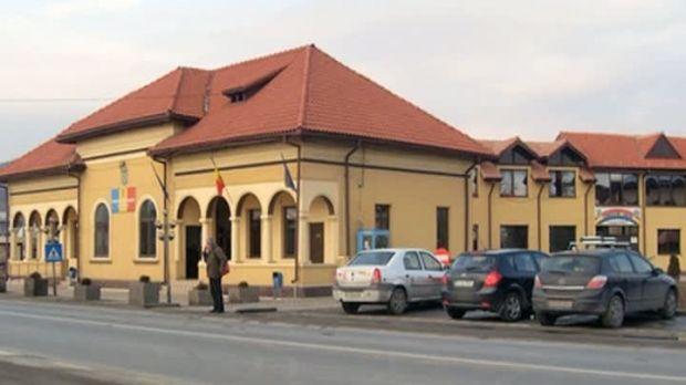 Argeș: Două angajate din Primăria Ștefănești s-au bătut în sediul instituției