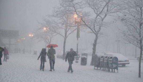 Iarna nu se dă bătută! Cod galben de ninsori și vânt în jumătate de țară