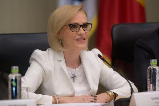 Gabriela Firea amenință cu demisia din PSD! Edilul general le declară război miniștrilor din Cabinetul Dăncilă