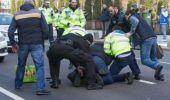 Incident la Primăria Capitalei! Un bărbat înarmat a amenințat că se sinucide