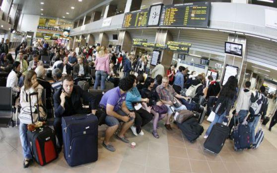 Incredibil, trist, dar adevărat! Românii fug din România! Suntem pe locul doi mondial la emigraţie