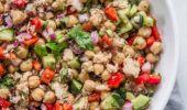 Cum se pregătește salata de năut cu ton și ardei! O rețetă delicioasă de regim