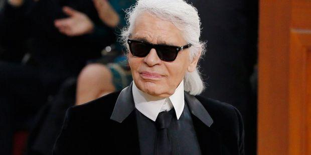 Creatorul Karl Lagerfeld șochează: Dacă nu vrei să-ţi fie daţi jos pantalonii, nu deveni model!