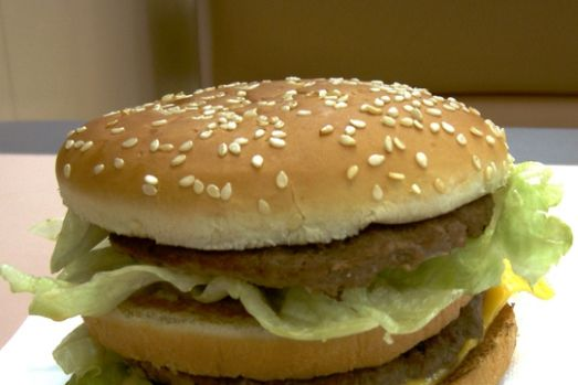 Record. Un bărbat a mâncat 30.000 de de burgeri Big Mac până la 64 de ani! Cum arată acesta