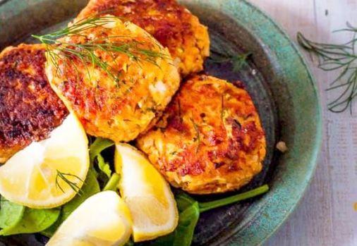 Cum se prepară chifteluțele cu somon și legume! O nouă rețetă delicioasă și sănătoasă