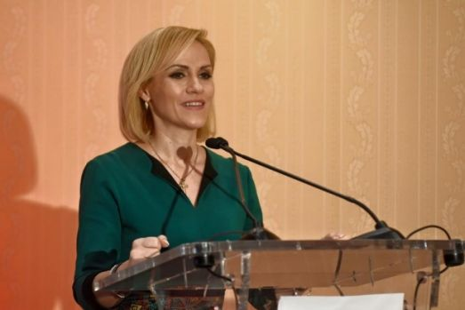 Gabriela Firea le răspunde liberalilor care au atacat-o: Niște pitici politici s-au adunat să denigreze PSD