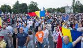 """Protestele continuă în Capitală: """"Ordonanța 13 revine! Toți in Piață!"""""""