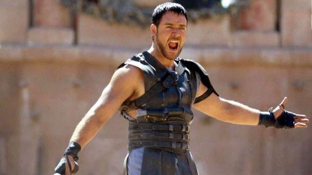 Russell Crowe este de nerecunoscut! Cum a ajuns să arate Gladiatorul! Foto în articol