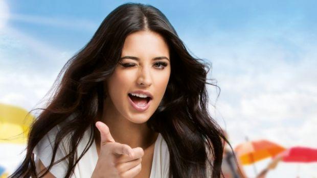 Antonia câștigă anual o sumă babană de pe urma reclamei la geamantane