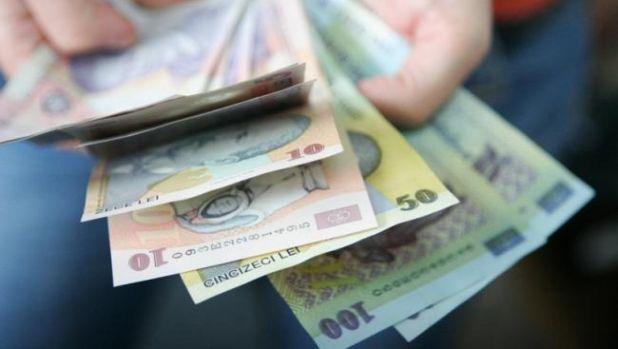 Curs valutar: Euro își umflă mușchii, iar aurul se duce în cap