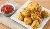Cum se prepară nuggets de pui crocante cu sos de iaurt și usturoi. O rețetă delicioasă și rapidă