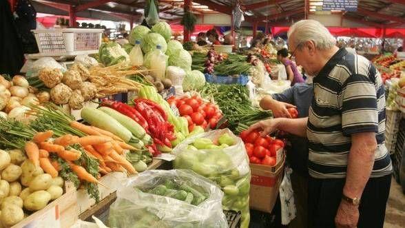 Piața Gorjului, locul unde se găsesc fructe și legume românești de sezon la prețuri pentru orice buzunar