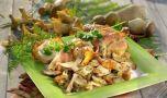 Cum se prepară pieptul de pui învelit în bacon cu garnitura de ciuperci! Deli…
