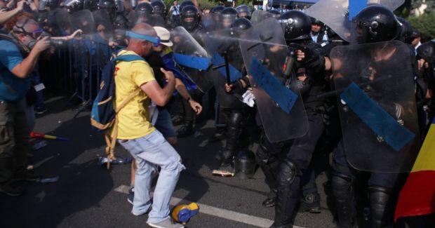 Miting 10 august. Bilanţ fără precedent al protestului din Piaţa Victoriei: 440 de persoane au avut nevoie de îngrijiri medicale! Reacții