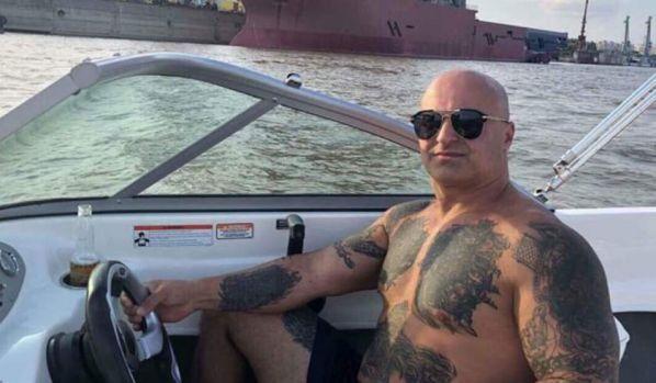 Interlopul din Brăila, căutat după înjunghierea celor doi baschetbaliști americani, s-a predat la Poliție