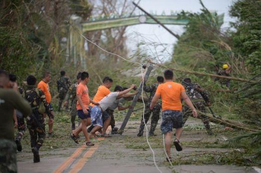Super-taifunul Mangkhut face primele ravagii în Filipine și Taiwan