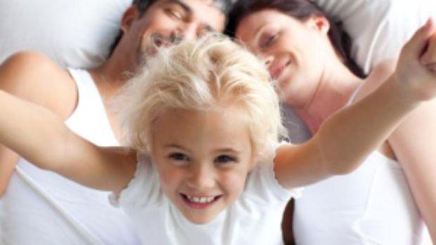 Amuzant! 15 povești de la părinți care au fost surprinși de copii când erau în momente intime