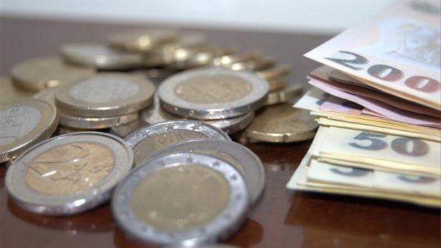 Curs valutar. Euro a început din nou să crească