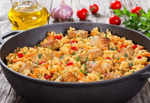 Cum se prepară paella cu pui. O rețetă rapidă, delicioasă și sănătoasă
