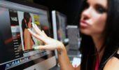 Cât câștigă cu adevărat româncele care fac videochat! De aceea nu vor să mai audă de altă meserie