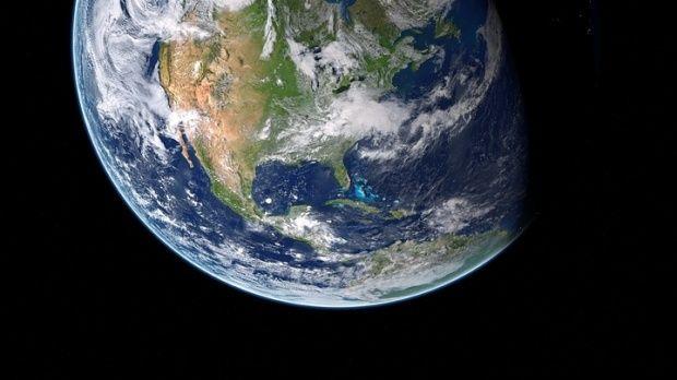 Ce s-ar întâmpla dacă Pământul s-ar roti în direcția opusă? Video