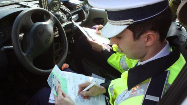Noul Cod Rutier are câteva prevederi controversate. În ce condiţii ar putea fi suspendat permisul auto
