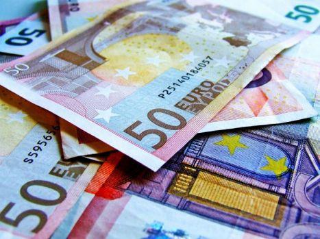 Curs valutar. Leul termină săptămâna bine în fața euro și dolarului