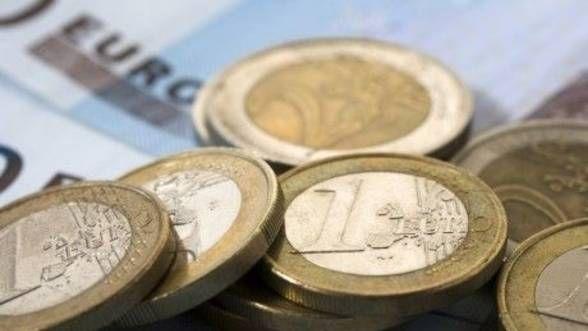 Curs valutar 4 ianuarie. Euro se depreciază